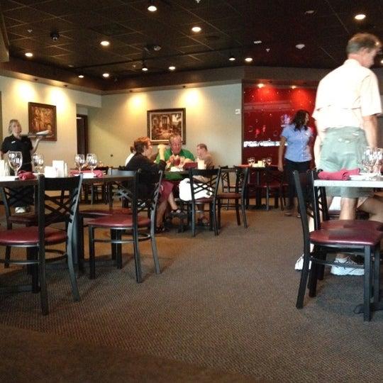 รูปภาพถ่ายที่ The Ranch Grill โดย Darrin S. เมื่อ 5/31/2012