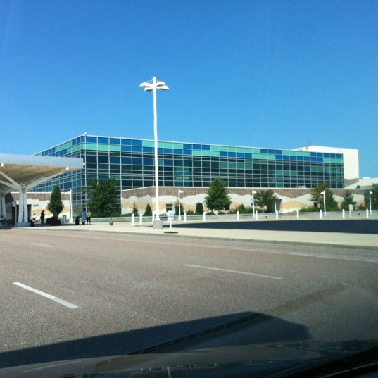 Springfield-Branson National Airport (SGF)