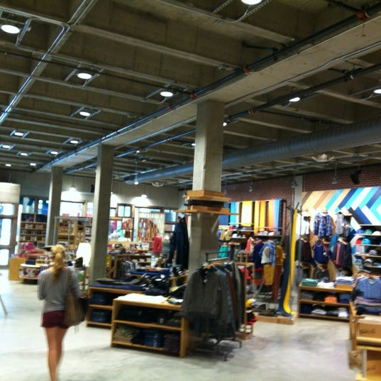 Urban Outfitters - Clothing Store in Los Angeles