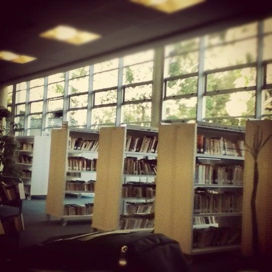 Foto tomada en Universidad Andrés Bello por Leo A. el 4/11/2012
