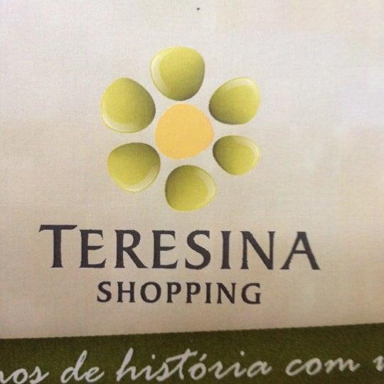 Foto tirada no(a) Teresina Shopping por Lara C. em 6/3/2012