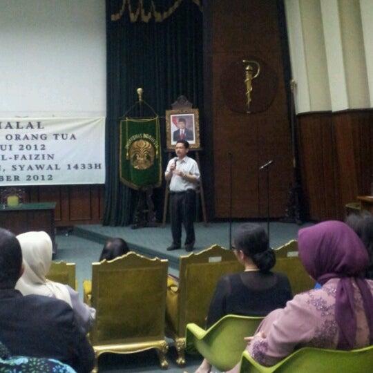 Photo taken at Fakultas Kedokteran Universitas Indonesia by Харри Ханави on 9/5/2012