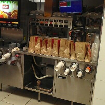 Photo taken at McDonald's by Eduardo A. on 8/22/2012
