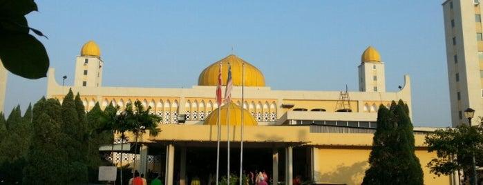 Masjid Jamek Ar-Rahimiah is one of masjid.