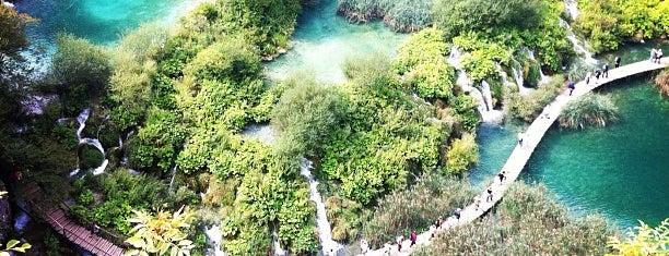 Plitvice Lakes National Park is one of Jezera.