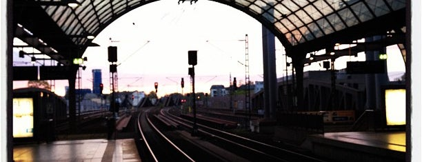 Bahnhof Berlin-Spandau is one of Bahnhöfe Deutschland.