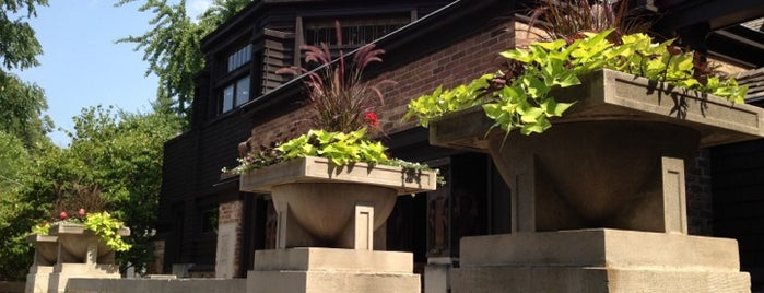 Frank Lloyd Wright Home and Studio is one of Chicago.