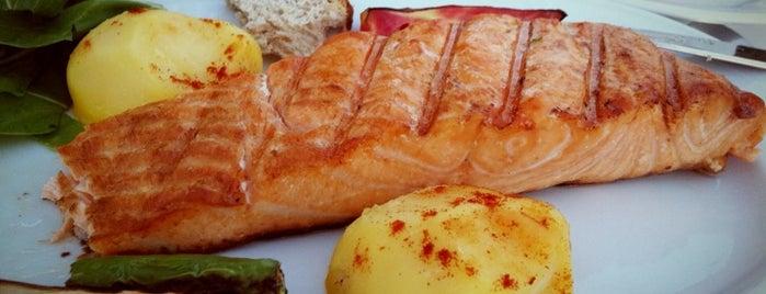 Balık Pişiricisi Veli Usta is one of Orhan.