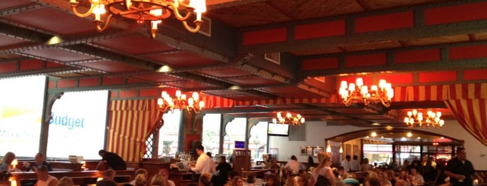 Pershing Square Café is one of NYC brunch & breakfast.