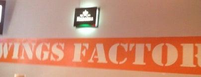 Wings Factory is one of Algunos lugares....