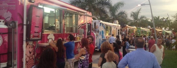 Food Trucks at Arts Park is one of Downtown Hollywood Favorites.