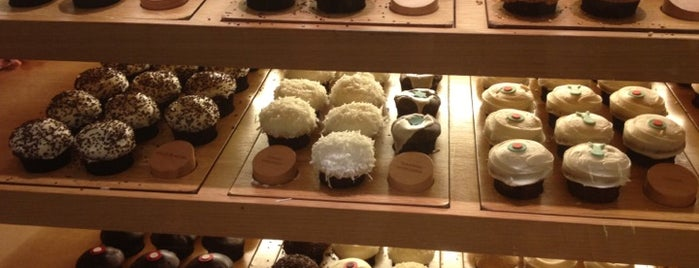 Sprinkles Cupcakes is one of OC Drinks and Desserts.