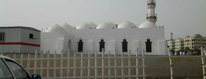 Al Juffali Mosque is one of Must Visit Places In Jeddah (Saudi Arabia).