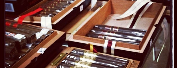 Everett Cigar and Tobacco is one of La Palina Retailers.
