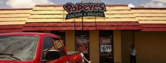 Popeyes Chicken and Biscuits is one of さっしーのお気に入り.