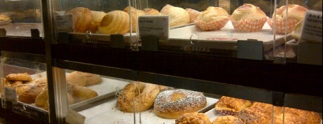 85°C Bakery Cafe is one of Guide to Hacienda Heights's best spots.