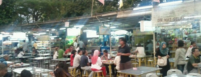 Padang Brown Food Court is one of Hawkers @ Penang.