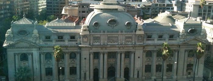 Biblioteca Nacional de Chile is one of Santiago, Chile #4sqCities.