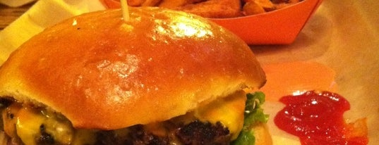 Burger, Tap & Shake is one of District of Burgers.