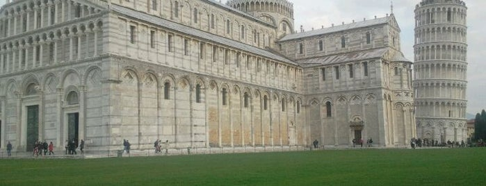 Piazza del Duomo (Piazza dei Miracoli) is one of ITALY  best cities.