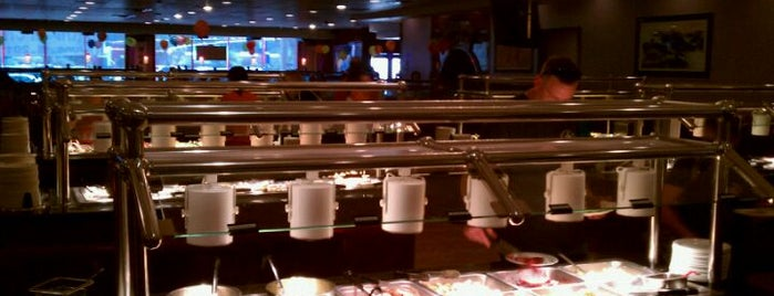 Happy Family Chinese Buffet & Hibachi is one of Posti che sono piaciuti a Brian.