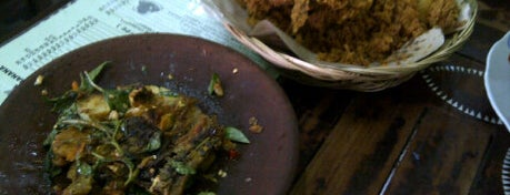 Ayam Kalasan Mbok Limbok is one of Tempat Makan Maknyus - BALI.