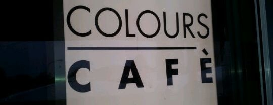 Colours Cafe is one of Locali dove bere..