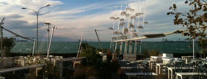 Maison Crystal is one of Καφές - Ποτό - Διασκέδαση in Θεσσαλονίκη.