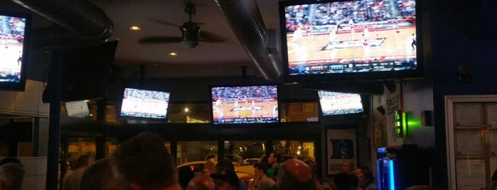 Crew Bar And Grill Is One Of Chicagou0027s Top 10 Sports Bars.