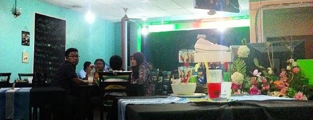 Mai Oh Mai Corner (Nasi Ayam Penyet) is one of Makan @ Utara #12.