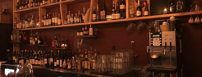 Scarlett's Wine Bar is one of Date night.
