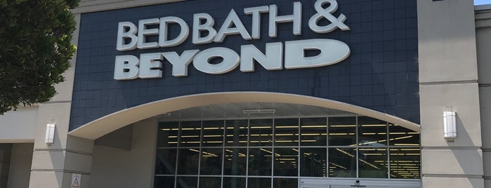 Bed Bath & Beyond is one of Favorites.