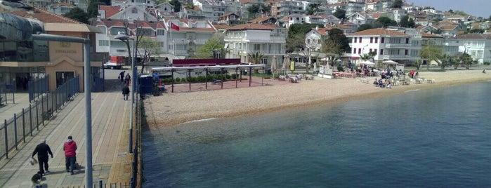 Kınalıada is one of İstanbul'un Adaları.