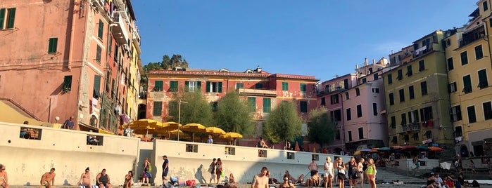 Spiaggia Vernazza is one of Beach.