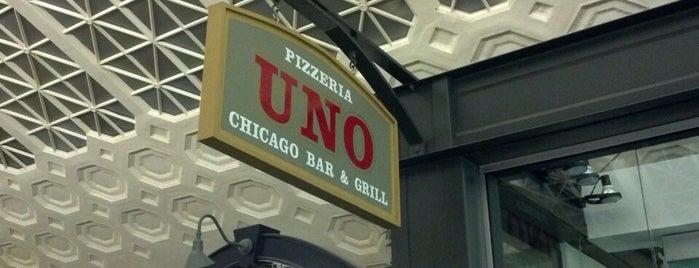 Uno Pizzeria & Grill is one of Favorites.