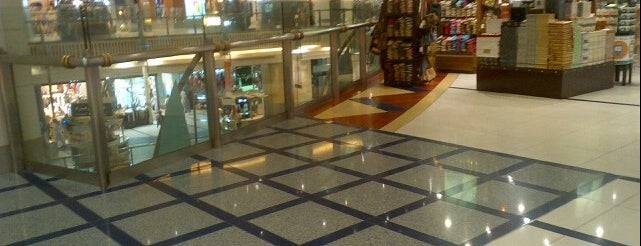 Makkah Towers Shopping Center is one of Must visit Place and Food in Saudi Arabia.