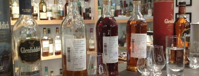 Soho Whisky Club is one of Bars.