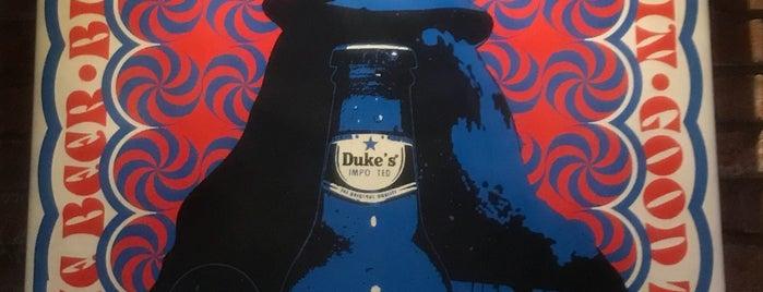 Duke's Burgers & Beer is one of Quevedo.