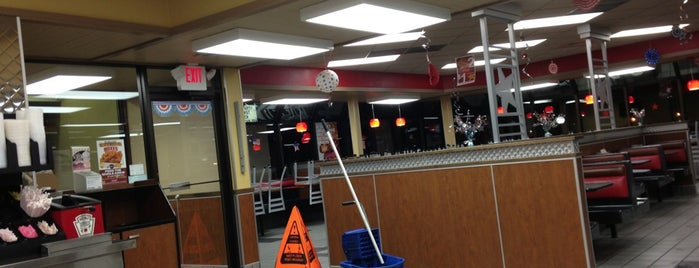 Hardee's is one of Wisconsin Dells.