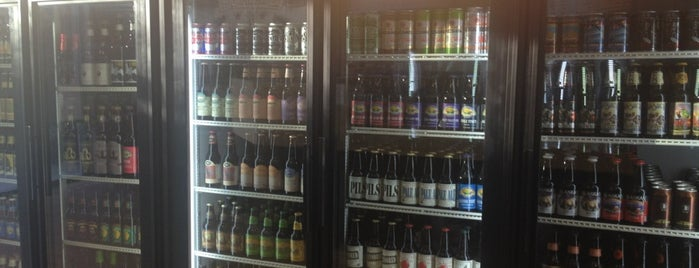 Growler's Beer and Wine To Go is one of Houston Favorites.
