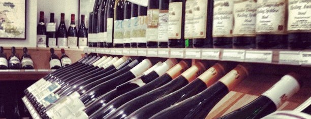 Chambers Street Wines is one of The 15 Best Places for a Champagne in New York City.