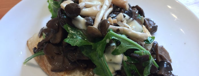 Heirloom Vegetarian Restaurant is one of Vancouver Brunches.