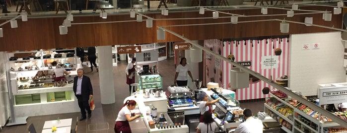 Food Hall is one of Lugares agora CONHECIDOS.