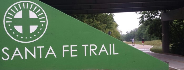 Santa Fe Trail is one of Dallas.