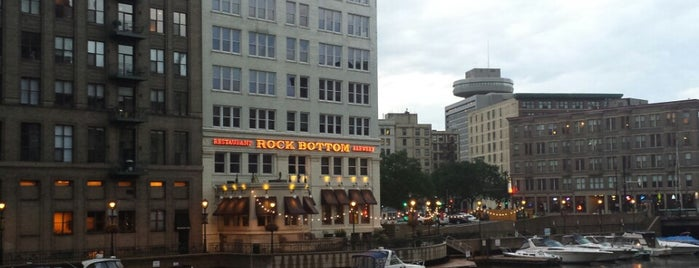 Rock Bottom Restaurant & Brewery is one of The 13 Best Places for Moonshine in Milwaukee.