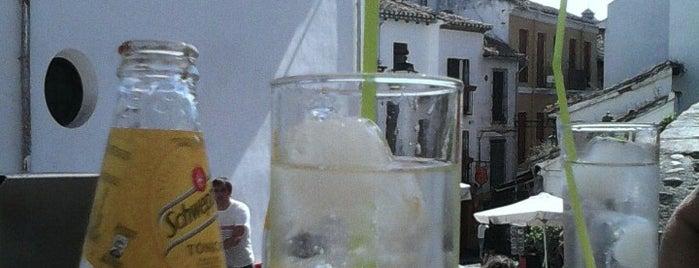 El 22 is one of Tapas en Granada / Best tapas in Granada.