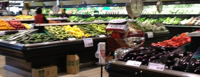 Super H Mart is one of Everyday Place.