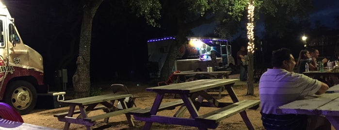 Toni Jo S Food Truck Park Of Helotes
