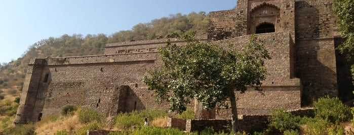 Bhangarh Fort is one of Haunted Places in India.