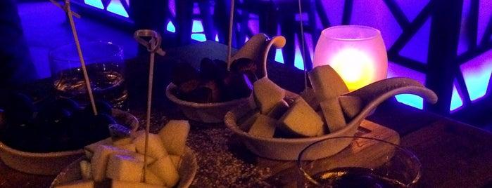 Dark Chocolate World Point is one of Gezmece ve Yemece.